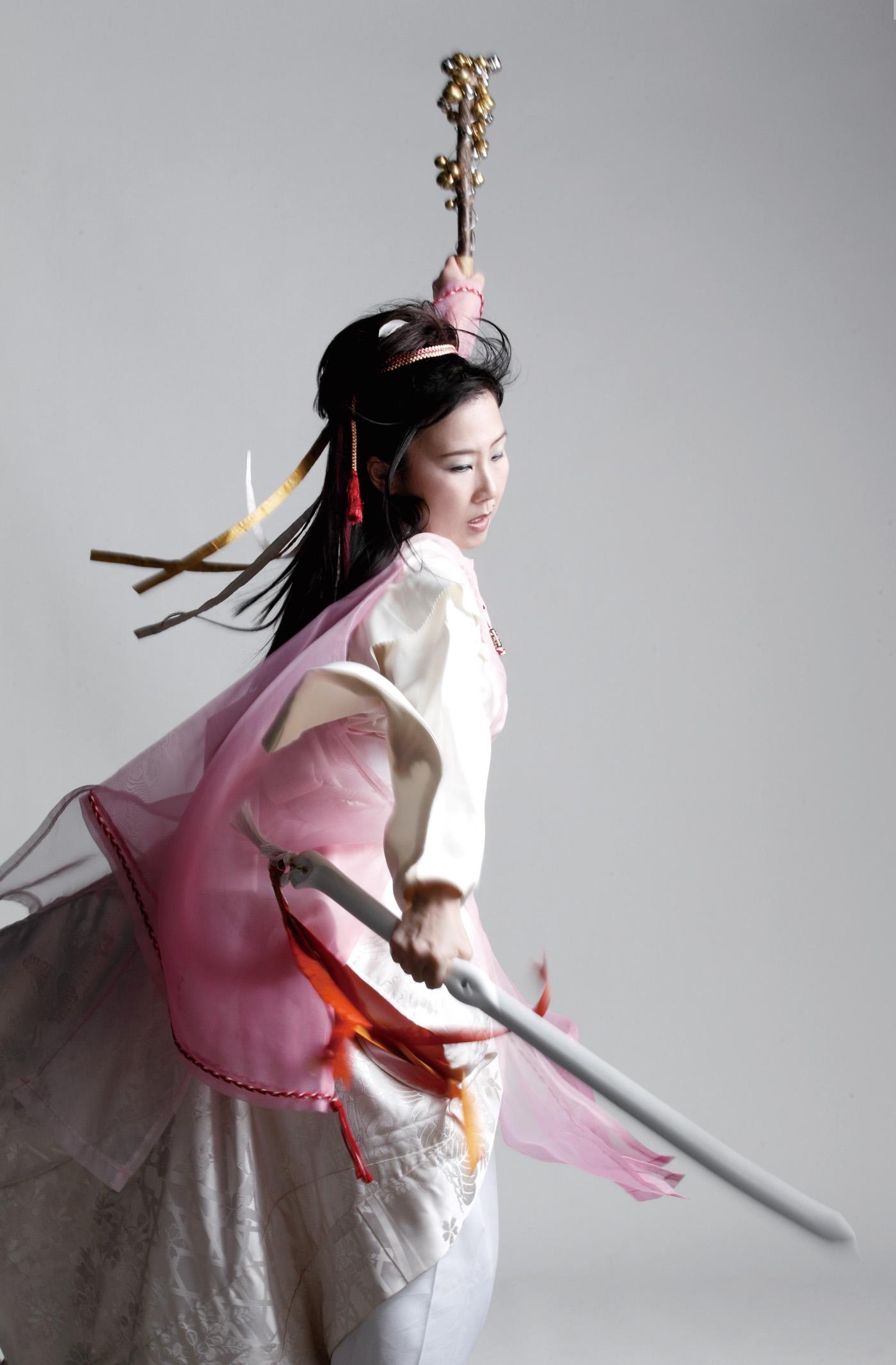 宗家/神谷美保子 - O-Getsu Ryu | 桜月流美劔道
